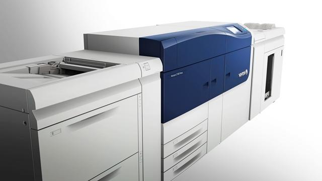 La Xerox Versant 2100 è stata protagonista a Viscom 2014 con E-Servizi SpA per mostrare al pubblico della fiera della creatività visiva «l'evoluzione della specie».