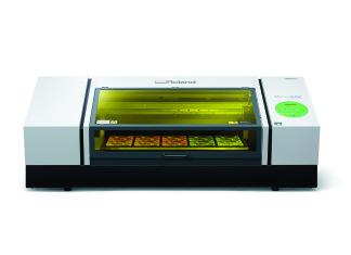 LEF-300 è la nuova stampante UV della serie VersaUV che permetterà agli operatori di essere ancora più produttivi.