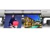 UJV55-320 offre colori vivaci, un elevato grado di opacità per straordinarie insegne retroilluminate e segnaletica.