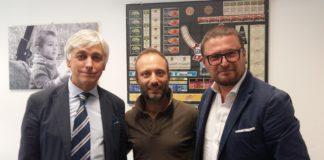 Da sinistra Silvano Chiusa, responsabile vendite Emilia Romagna, Aldo De Vincenzo, il giovane titolare di Litografia Castello, eAndrea Citernesi, Gallus Business Driver.