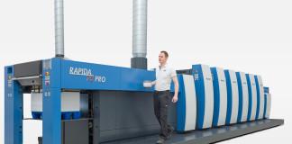 Al drupa, la nuova Rapida 75 PRO produrrà nella versione a cinque colori con verniciatura ed essiccazione UV LED.