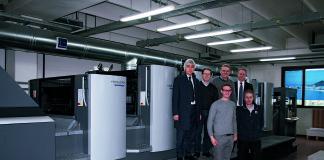 In piedi sulla pedana della CD 1025lx da sinistra Silvano Chiusa venditore HDIT, Egidio Forner, Liigi Favero, Rinaldo Mattera Sales Area Manager.