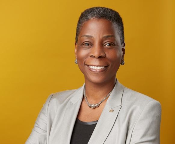 Ursula Burns manterrà la sua attuale carica di Presidente e Amministratore Delegato di Xerox fino all'avvenuta separazione.